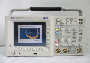 Tektronix TDS3012C オシロスコープ