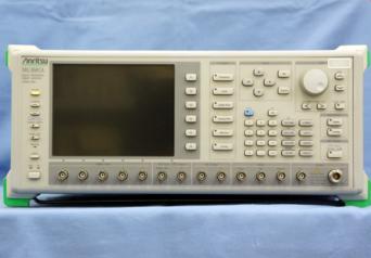 アンリツ デジタル変調信号発生器 MG3681A