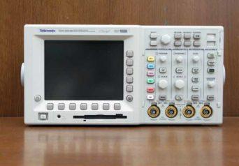 Tektronix TDS3054B デジタルオシロスコープ