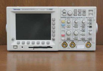 テクトロニクス デジタル・オシロスコープ TDS3032B
