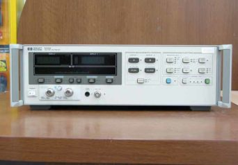 HP ベクトル電圧計 8508A