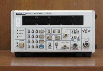 アドバンテスト マイクロ波カウンタ R5372