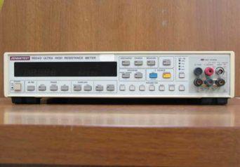 アドバンテスト デジタル超高抵抗/微少電流計 R8340