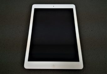 <中古>Apple  iPad Air Wi‑Fiモデル 16GB