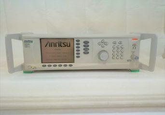 アンリツ MG3692B/2A,4,16,28A,34RKNF50 マイクロ波信号発生器
