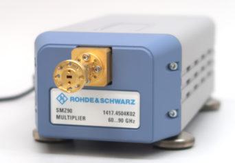 ローデ・シュワルツ SMZ90/B90E/K1/RFケーブル/ZV-Z1829 周波数マルチプライヤ